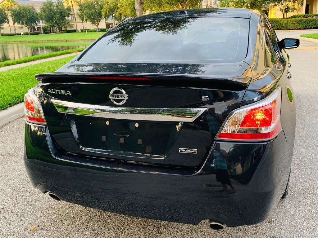 2015 Nissan Altima - Image #4